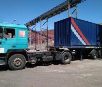 camion cargado para envío