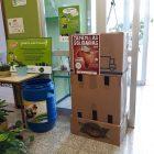 Cajas en centro educativo
